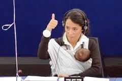europarlamentare allatta